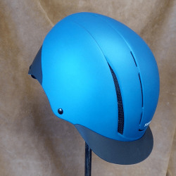 riding_helmets_and_safety_equipment_and supplies