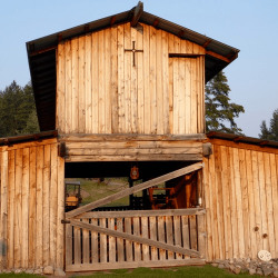barn_supplies_and_stable_equipment